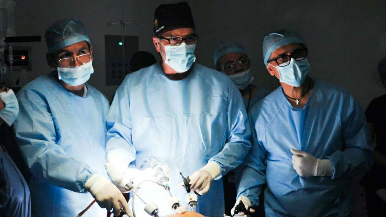 El oncólogo venezolano René Sotelo es reconocido por el Top Doctors 2019