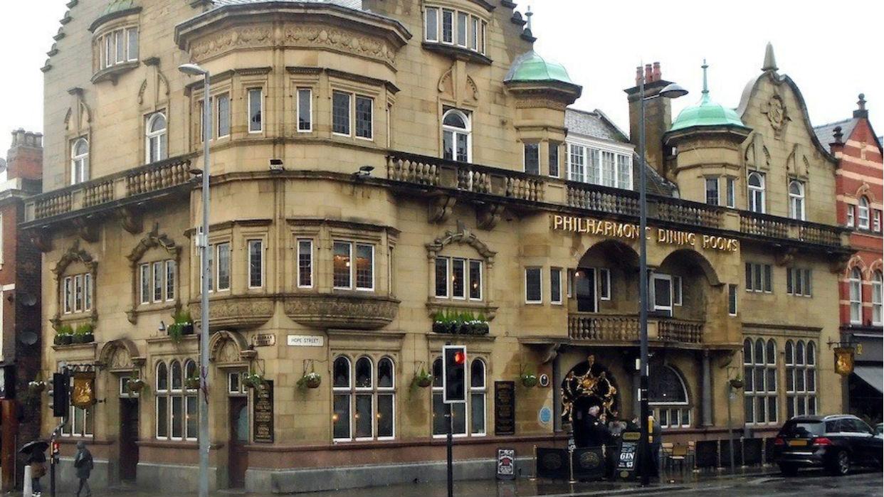 El bar donde se reunían los Beatles es reconocido como monumento histórico