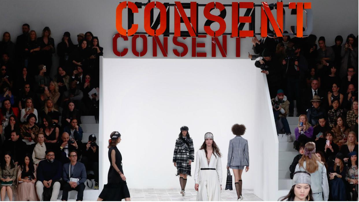 Dior mostró su posición feminista en la Semana de la Moda de París