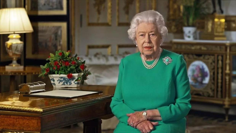 La reina quiso mostrar que hay luz al final del túnel /France 24