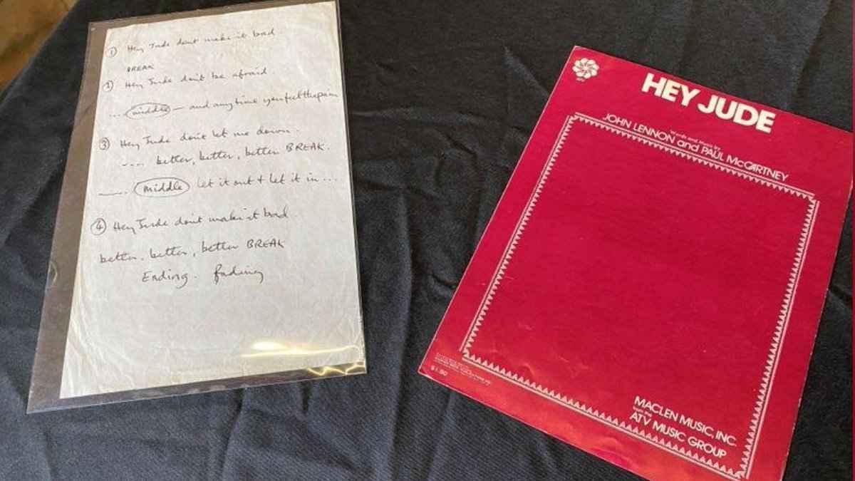 Piezas usadas durante la grabación de la canción / Archivo