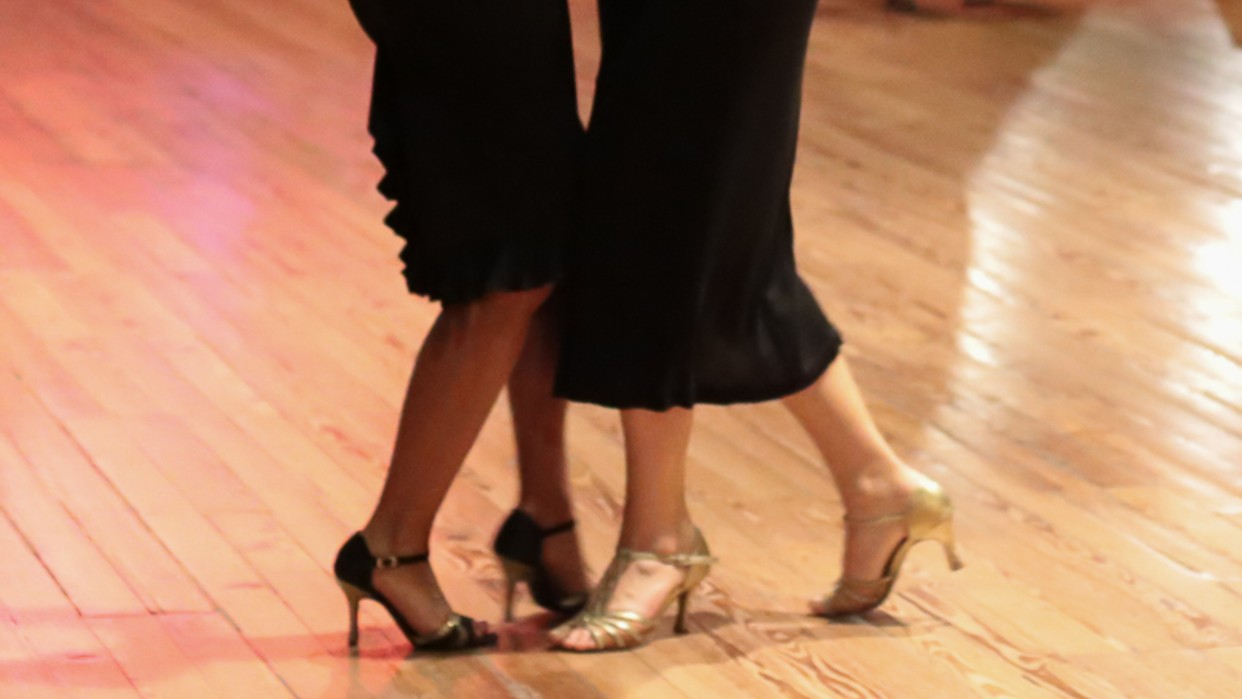 Tango entre Mujeres impulsa el movimiento / tangoentremujeres.com