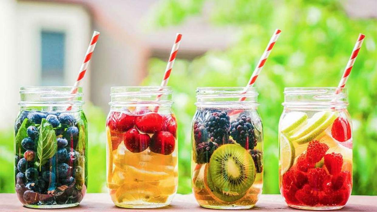 Las infusiones de frutas son una deliciosa fuente de hidratación