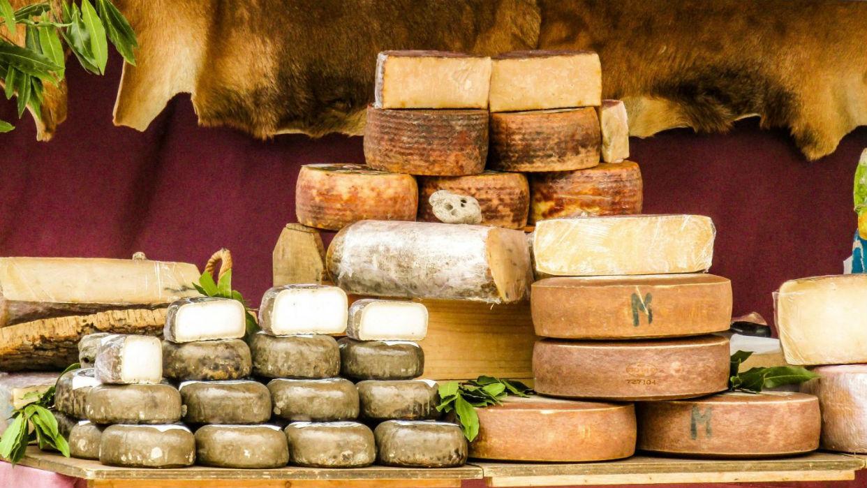 Es una experiencia sensorial degustar los quesos bien acompañados