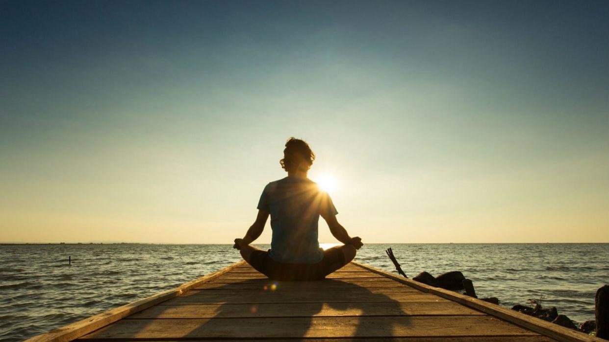 Meditar es clave para recuperar el balance y la paz mental
