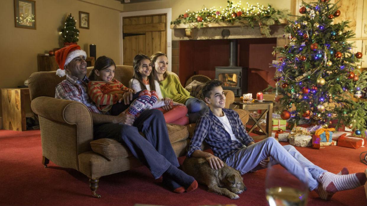 Nada como compartir viejas películas navideñas en familia