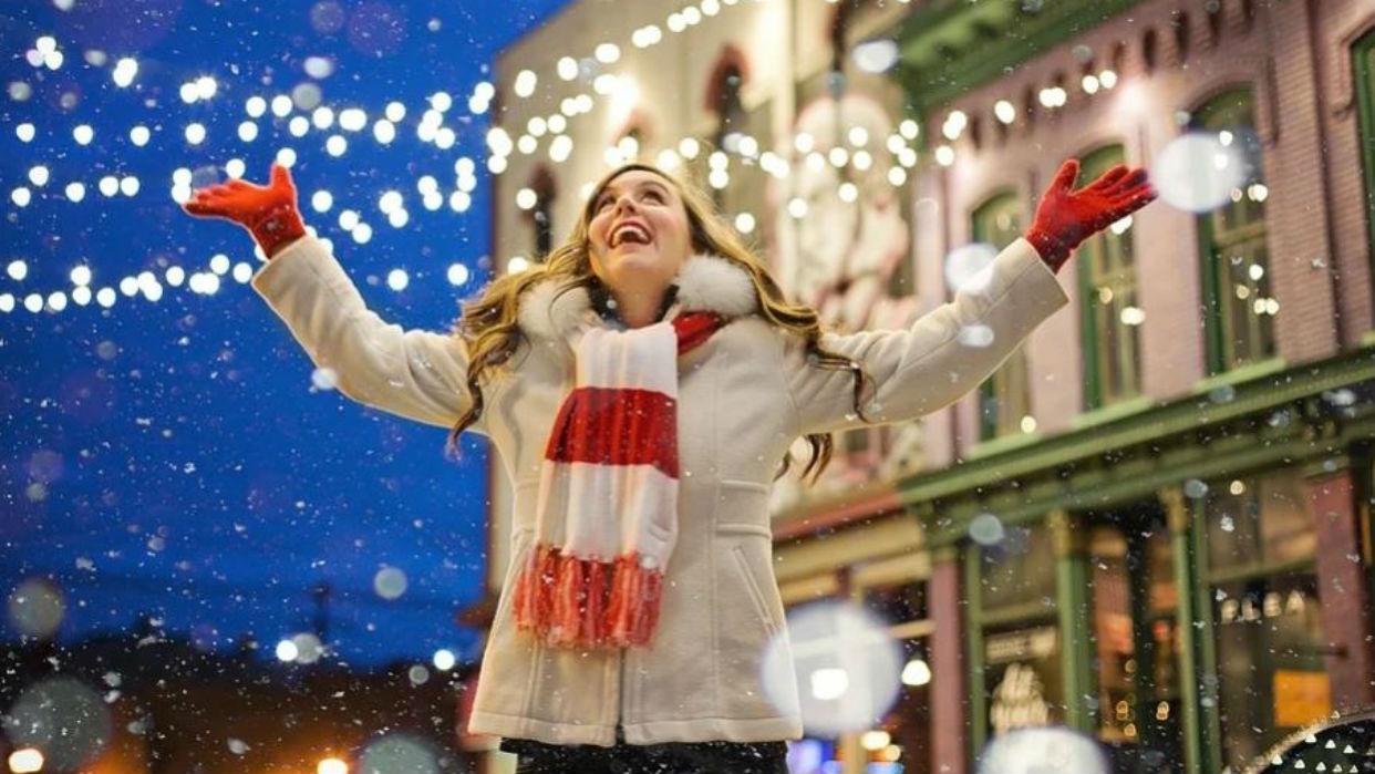 Celebrar la Navidad y recibir el año con alegría