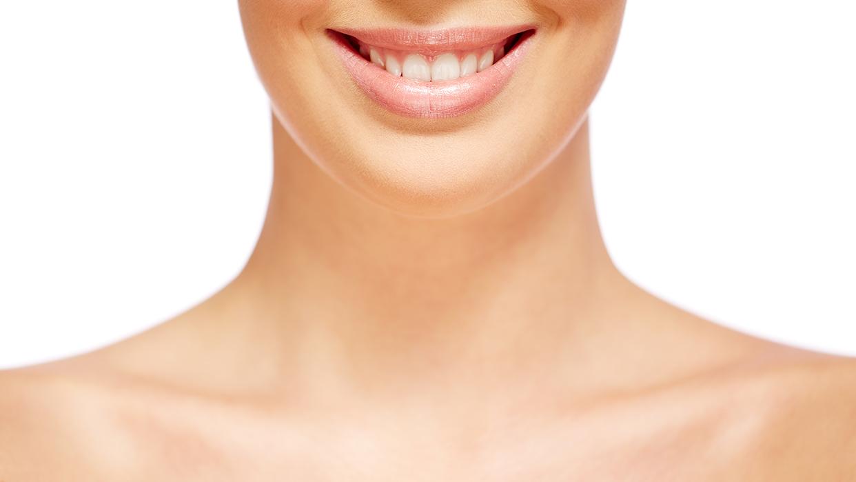 Implementar cuidados de belleza en el cuello y escote es esencial