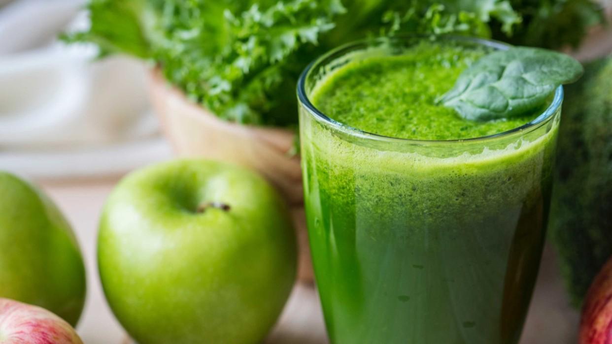 Desintoxica tu cuerpo con este nutritivo jugo